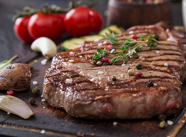 39% off + free cooking guide in New Gold Steak Box